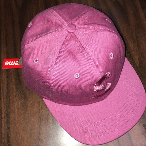 a940e01b551 NEW AUTHENTIC SUPREME HAT